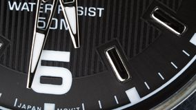 Η μετακίνηση των χεριών ενός wristwatch απόθεμα βίντεο
