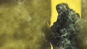 Η μετατόπιση της μούμιας το ατμοσφαιρικό υπόβαθρο αστραπής καπνού βράχου πετρών πτωμάτων διανυσματική απεικόνιση