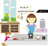 Η μητέρα και η κόρη κάνουν τα ζυμαρικά από κοινού Στοκ Εικόνες