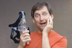 Η μηχανή CPAP βοηθά τον ασθενή με τα ζητήματα αναπνοής στοκ φωτογραφία