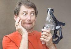 Η μηχανή CPAP βοηθά τον ασθενή με τα ζητήματα αναπνοής στοκ φωτογραφίες