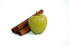 Η μικροσκοπικές Apple και κανέλα Στοκ φωτογραφία με δικαίωμα ελεύθερης χρήσης