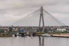 Η μισή από τη γέφυρα ANZAC στο Σίδνεϊ, Αυστραλία Στοκ εικόνες με δικαίωμα ελεύθερης χρήσης