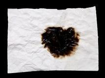 Η μμένη τσαλακωμένη Λευκή Βίβλος για το μαύρο υπόβαθρο Στοκ Εικόνες