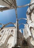 Η μονή της κυρίας υποστηρίγματός μας Carmel στη Λισσαβώνα, Πορτογαλία Η μεσαιωνική μονή καταστράφηκε κατά τη διάρκεια του σεισμού Στοκ φωτογραφία με δικαίωμα ελεύθερης χρήσης