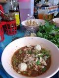Η Μπανγκόκ Ταϊλάνδη, νουντλς με το αίμα χοίρων είναι καλά - γνωστός ως ταϊλανδικά τοπικά τρόφιμα στοκ φωτογραφία με δικαίωμα ελεύθερης χρήσης