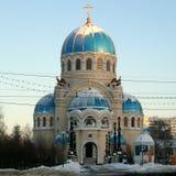 η μπαρόκ εκκλησία batashev αρχιτεκτόνων κλασσική συνδυάζει gus χαρακτηριστικών γνωρισμάτων εργοστασίων περιοχής πελατών τριάδα άγ στοκ φωτογραφίες