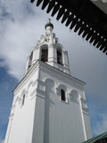 η μπαρόκ εκκλησία batashev αρχιτεκτόνων κλασσική συνδυάζει gus χαρακτηριστικών γνωρισμάτων εργοστασίων περιοχής πελατών τριάδα άγ Στοκ Εικόνες