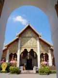 Η μπροστινή άποψη του phra wat εκείνο το hariphunchai Στοκ Εικόνες