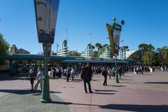 Η μπροστινή πύλη του πάρκου περιπέτειας της Disney Καλιφόρνια, είναι ένα θεματικό πάρκο που βρίσκεται στο Αναχάιμ στοκ εικόνα με δικαίωμα ελεύθερης χρήσης