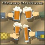Η μπύρα ενώνει! Στοκ Εικόνες