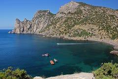 Η μπλε λιμνοθάλασσα κοντινή τοποθετεί το δράκο στοκ φωτογραφία με δικαίωμα ελεύθερης χρήσης