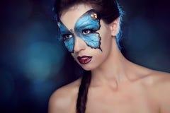 Η μόδα αποτελεί. Πεταλούδα makeup στην όμορφη γυναίκα προσώπου. Τέχνη Π Στοκ Φωτογραφίες