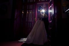 Η νέα γοητεία ακριβώς το ζεύγος ερωτευμένο Στοκ Εικόνες