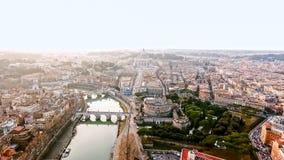 Η νέα εναέρια άποψη εικονικής παράστασης πόλης και πόλεων του Βατικανού φωτογραφιών της Ρώμης στην Ιταλία Στοκ Φωτογραφία