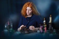 Η νέα μάγισσα συμμετέχει witchcraft στοκ εικόνες