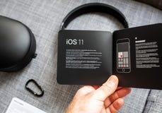 Η νέα Apple κτυπά από το Δρ Dre Beats Studio 3 τα ασύρματα ακουστικά Στοκ εικόνα με δικαίωμα ελεύθερης χρήσης