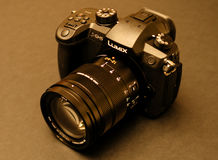 Η νέα Panasonic Lumix GH5 και φακός καμερών Leica 12-60 Στοκ Φωτογραφία