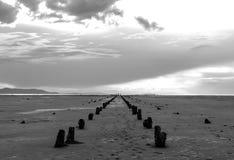 Η νεκρή αποβάθρα στο Γκρέιτ Σωλτ Λέηκ Στοκ φωτογραφία με δικαίωμα ελεύθερης χρήσης