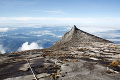 Η νότια αιχμή (3,922m), τοποθετεί Kinabalu Sabah Μπόρνεο στοκ φωτογραφίες