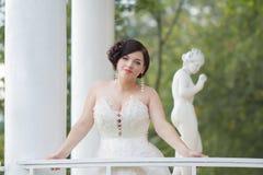 Η νύφη στο gazebo Στοκ φωτογραφίες με δικαίωμα ελεύθερης χρήσης