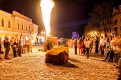 Η νύχτα παρουσιάζει των μπαλονιών πυράκτωσης Στοκ Εικόνες