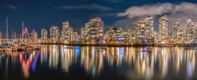 Η νύχτα πόλεων άποψη-yaletown-βλέπει το Βανκούβερ στοκ εικόνες με δικαίωμα ελεύθερης χρήσης