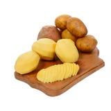 η ξεφλουδισμένη πατάτα ακατέργαστη Στοκ εικόνες με δικαίωμα ελεύθερης χρήσης
