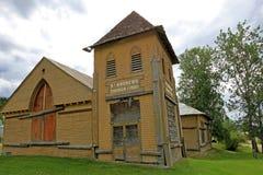 Η ξύλινη ιστορική εκκλησία του ST Andrews, πόλη Dawson, Καναδάς στοκ φωτογραφία