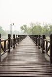 Η ξύλινη γέφυρα Στοκ εικόνες με δικαίωμα ελεύθερης χρήσης