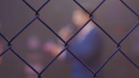 Η οδήγηση των μαχών στο οκτάγωνο δηλώνει τους μαχητές στο μικρόφωνο απόθεμα βίντεο
