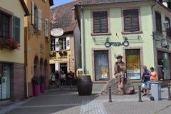 Η οδός του χωριού Ribeauvillé Δρόμος κρασιού της Αλσατίας στοκ εικόνες
