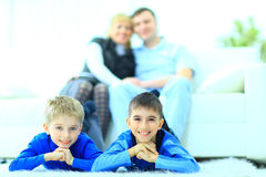 η οικογένεια απομόνωσε τ στοκ εικόνα με δικαίωμα ελεύθερης χρήσης