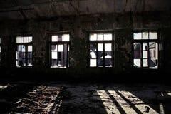 Η οικοδόμηση του παλαιού εγκαταλειμμένου εργοστασίου στοκ φωτογραφία