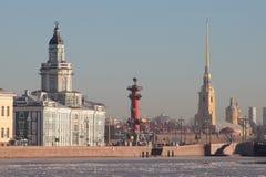 Η οικοδόμηση του Kunstkamera θόλος Isaac Πετρούπολη Ρωσία s Άγιος ST καθεδρικών ναών Στοκ Εικόνες