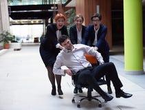 Η ομάδα επιχειρηματιών έχει τη διασκέδαση Στοκ Φωτογραφία