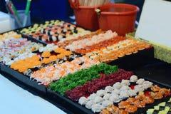 Η ομάδα ιαπωνικών τροφίμων σουσιών στην αγορά Στοκ Φωτογραφίες