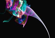 η ομορφιά απολαμβάνει λιγότερα πράγματα καπνού φωτογραφίας ζωής παραγνωρισμένα στοκ εικόνες