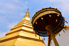 Η ομορφιά του χρυσού stupa Στοκ Εικόνα