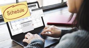Η οργάνωση ημερολογιακών αρμόδιων για το σχεδιασμό σχεδίου υπενθυμίζει στην έννοια στοκ εικόνα