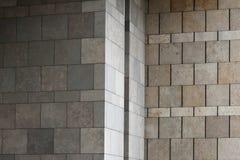 Η πέτρα εμποδίζει τον τοίχο Στοκ Εικόνες