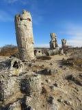 Η πέτρινη έρημος ή το πέτρινο δάσος κοντά στη Βάρνα Φυσικά διαμορφωμένοι βράχοι στηλών Παραμύθι όπως το τοπίο bulblet στοκ φωτογραφίες