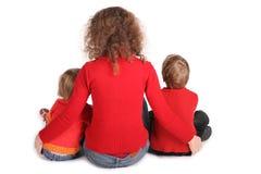 η πίσω μητέρα παιδιών κάθετα&iot