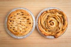 Η πίτα της Apple και η Apple αυξήθηκαν πίτα Στοκ Φωτογραφία