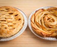 Η πίτα της Apple και η Apple αυξήθηκαν πίτα Στοκ εικόνες με δικαίωμα ελεύθερης χρήσης