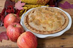 Η πίτα της Apple τα μήλα Στοκ Φωτογραφία