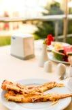 η πίτσα τεμαχίζει δύο Στοκ εικόνες με δικαίωμα ελεύθερης χρήσης