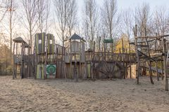Η παιδική χαρά παιδιών σταθμεύει δημόσια Στοκ εικόνα με δικαίωμα ελεύθερης χρήσης