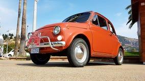 Η παλαιά κόκκινη Φίατ 500 Λ Στοκ Φωτογραφίες