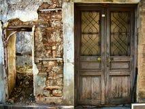 Η παλαιά πόρτα στο σπίτι Στοκ Εικόνες